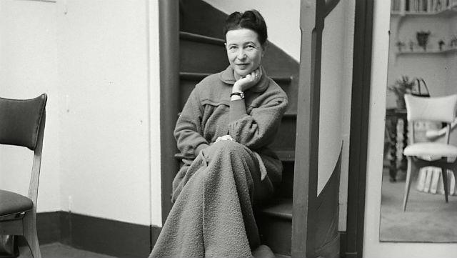 ''Kadın Doğulmaz, Kadın Olunur!'': Simone de Beauvoir