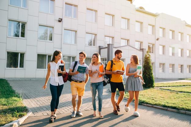 Türk Eğitim Sisteminin Bütün Zorluklarına Rağmen Öğrenci Olmak
