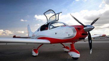 İnanılmaz Başarı: Lise Öğrencileri 3 Haftada Uçak Monte Etti
