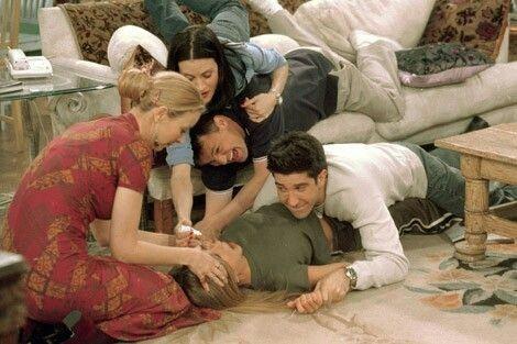 FRIENDS'i Dünyanın Gelmiş Geçmiş En İyi Sit-Com Dizisi Yapan 8 Şey